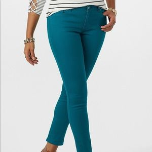 DRESS BARN SIGNATURE FIT ANKLE JEANS